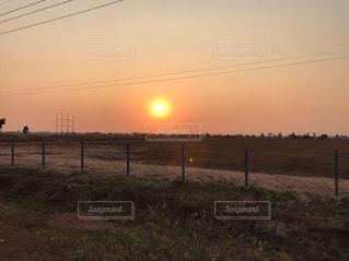 風景,空,屋外,太陽,夕暮れ,景色,光,草,夕陽,明るい,カンボジア