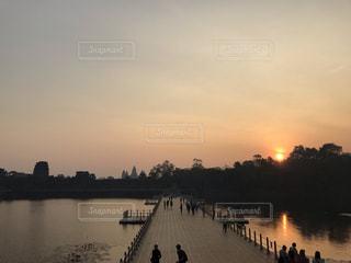 空,屋外,太陽,朝日,水面,光,旅行,日の出,カンボジア,アンコールワット,シェムリアップ