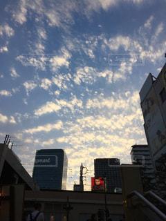 空,建物,雲,夕焼け,都会,都会の空