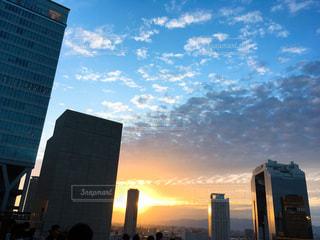 空,秋,雲,夕焼け,夕暮れ,タワー,都会