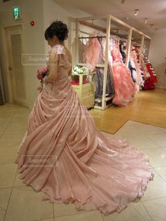 花嫁、衣装選びの写真・画像素材[1647050]