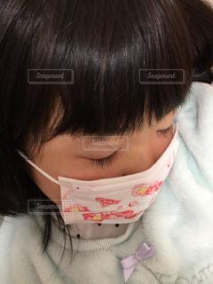 マスクを着用した女の子の写真・画像素材[1674003]