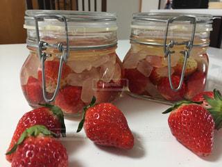 赤,苺,フルーツ,果物,果実,健康,手作り,レッド,酢,キュート,保存瓶,フレッシュ,複数,インスタ,氷砂糖,便秘解消,インスタ映え,苺酢