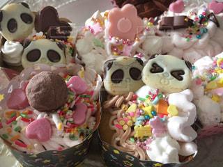クリーム,デザート,生クリーム,カップケーキ,チョコレート,パンダ,可愛い,バレンタイン,装飾,チョコ,キュート,複数,インスタ,トッピング,インスタ映え,チョコカップケーキ,デコカップケーキ,苺クリーム,生チョコクリーム