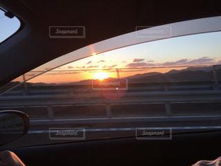 空,太陽,車,窓,光,日の出,ミラー,車両