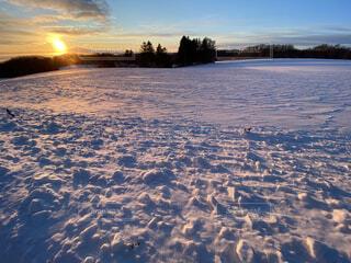 風景,冬,雪,屋外,朝日,雲,道路,北海道,雪原,正月,お正月,日の出,道東,冷たい,新年,初日の出,オホーツク海