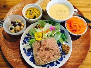 食べ物,食事,テーブル,皿,肉,料理,食欲の秋