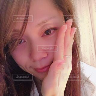 クローズ アップ撮影、selfie ピンクの髪を持つ女性のの写真・画像素材[1744267]