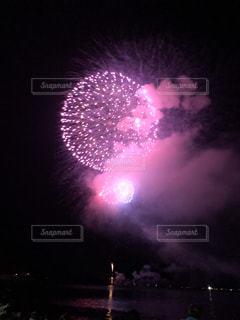 ピンク,花火,打ち上げ花火,夏祭り,海の上,小浜の花火大会