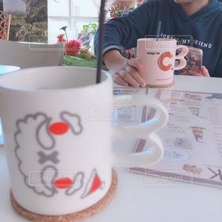 カフェ,コーヒー,白,テーブル,人,カップ,ドリンク,ホワイト,ウサギ,うさぎカフェ,バニー
