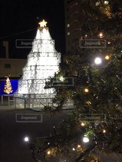 夜,屋外,白,イルミネーション,クリスマス,照明,ツリー,明るい,ホワイト,飾り,まちの駅,クリスマス ツリー