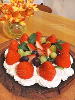 食べ物,屋内,デザート,テーブル,果物,美味しい,手作りケーキ,イチゴ