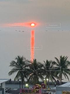 マニラ湾の夕陽の写真・画像素材[2861003]
