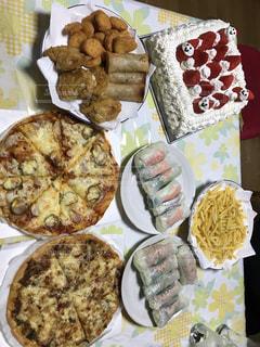 食べ物,ケーキ,パーティ,家,クリスマス,ごはん,料理,生春巻き,ごちそう,ピザ