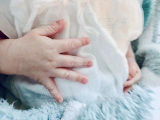赤ちゃんの手の写真・画像素材[1563454]