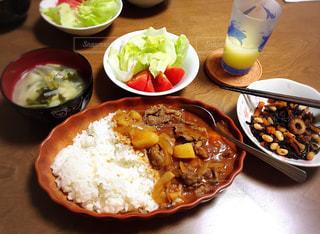 定食,美味,定番,秋の味覚,食欲の秋,ひじきのちくわ煮,安定の美味しさ,敢えてハヤシライス