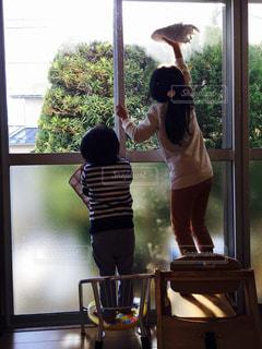 姉弟,雑巾,お手伝い,年末,窓拭き,大掃除