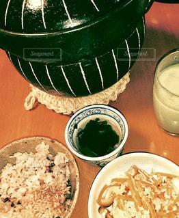 おこげのある土鍋ご飯の写真・画像素材[1484683]