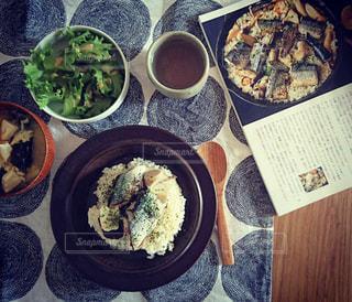 食べ物,秋,食卓,皿,ごはん,料理,器,北欧,ビンテージ,さんま,秋刀魚,うつわ,食欲の秋