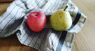 りんごと洋梨🍎🍐の写真・画像素材[1498113]