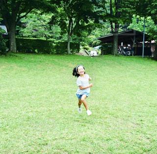 公園,スポーツ,芝生,景色,子供,女の子,走る,草,樹木,新緑,Green