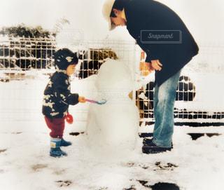 冬,雪,白,親子,子供,雪遊び,雪だるま,寒い,SNOW,男の子,ホワイト,White,お父さん,5才