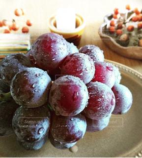 皿の上の葡萄🍇の写真・画像素材[1763757]