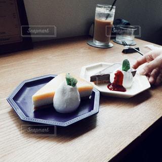 カフェにてケーキの写真・画像素材[2253005]