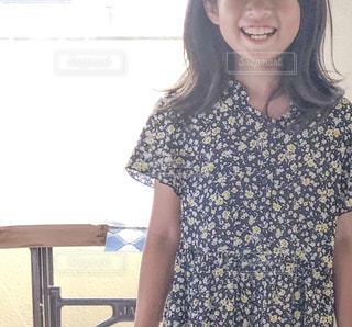 笑顔の女の子の写真・画像素材[2325999]
