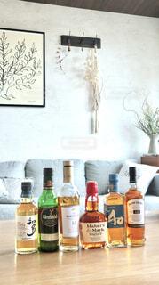 インテリア,部屋,ウイスキー,サントリー,ハーフボトル