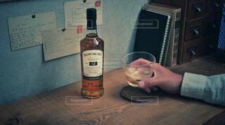 ウイスキー,アルコール,カウンター,サントリー,家飲み,ハーフボトル