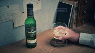 ウイスキー,ロック,サントリー,家飲み,ハーフボトル