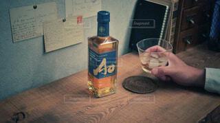 屋内,ボトル,ウイスキー,ドリンク,アルコール,サントリー,家飲み,ハーフボトル