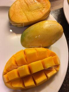 食べ物,マンゴー,黄色,フルーツ,果物,皿,色,食材,フレッシュ,南国フルーツ,スライス