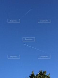 空,晴れ,青空,青,水色,飛行機雲,秋晴れ,ブルースカイ,秋空,抜けるように青空