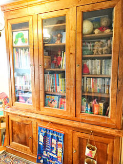 本棚は本でいっぱいの写真・画像素材[1549386]
