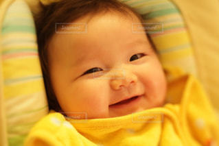 スマイル,黄色,女の子,笑顔,赤ちゃん,イエロー,カラー,色,黄,微笑み,乳児,yellow