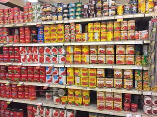 スーパーマーケットの陳列棚の写真・画像素材[1537797]