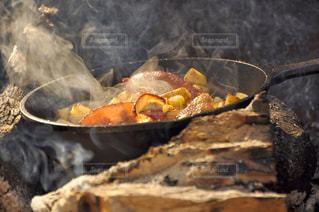 自然,アウトドア,秋,屋外,グリル,キャンプ,肉,料理,調理,食欲の秋,ホカホカ