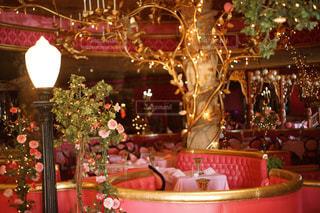 部屋のクリスマス ツリーの写真・画像素材[847105]