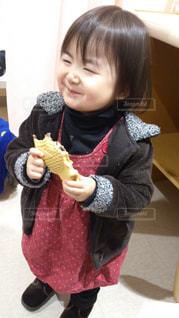 食べ物,秋,子供,女の子,美味しそう,たい焼き,幸せそう,食欲,秋の味覚,食欲の秋