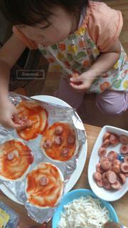 食べ物,子供,女の子,お手伝い,食欲,ピザ,手作りピザ,食欲の秋