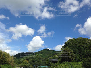 空には雲のグループの写真・画像素材[1868543]