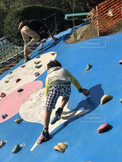 屋外,親子,子供,運動,アスレチック,ポジティブ,登る,チャレンジ,アクティブ,挑戦,体を動かす