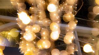 夜,夜景,ビル,木,街,オレンジ,光,イルミネーション,照明,Snapmart,明るい,玉ボケ,街路樹,アンバサダー,グランフロント大阪,シャンパンゴールド