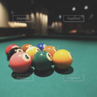 表の青いボールをトッピングの写真・画像素材[1542700]