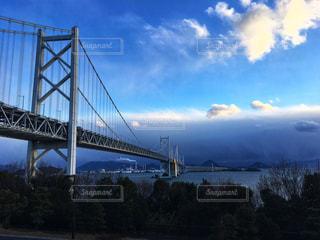瀬戸大橋と雲の写真・画像素材[2431655]