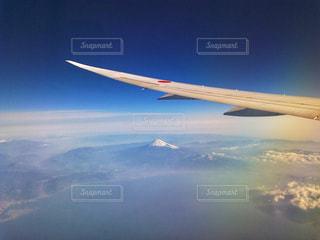 富士山にうっすらとかかる雲の写真・画像素材[2431681]