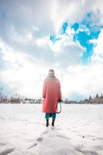 空と雪と足跡の写真・画像素材[1860921]
