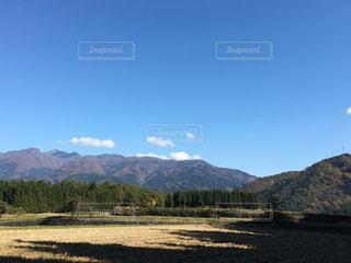 空,紅葉,森林,雲,青空,山,景色,秋空,稲刈り後